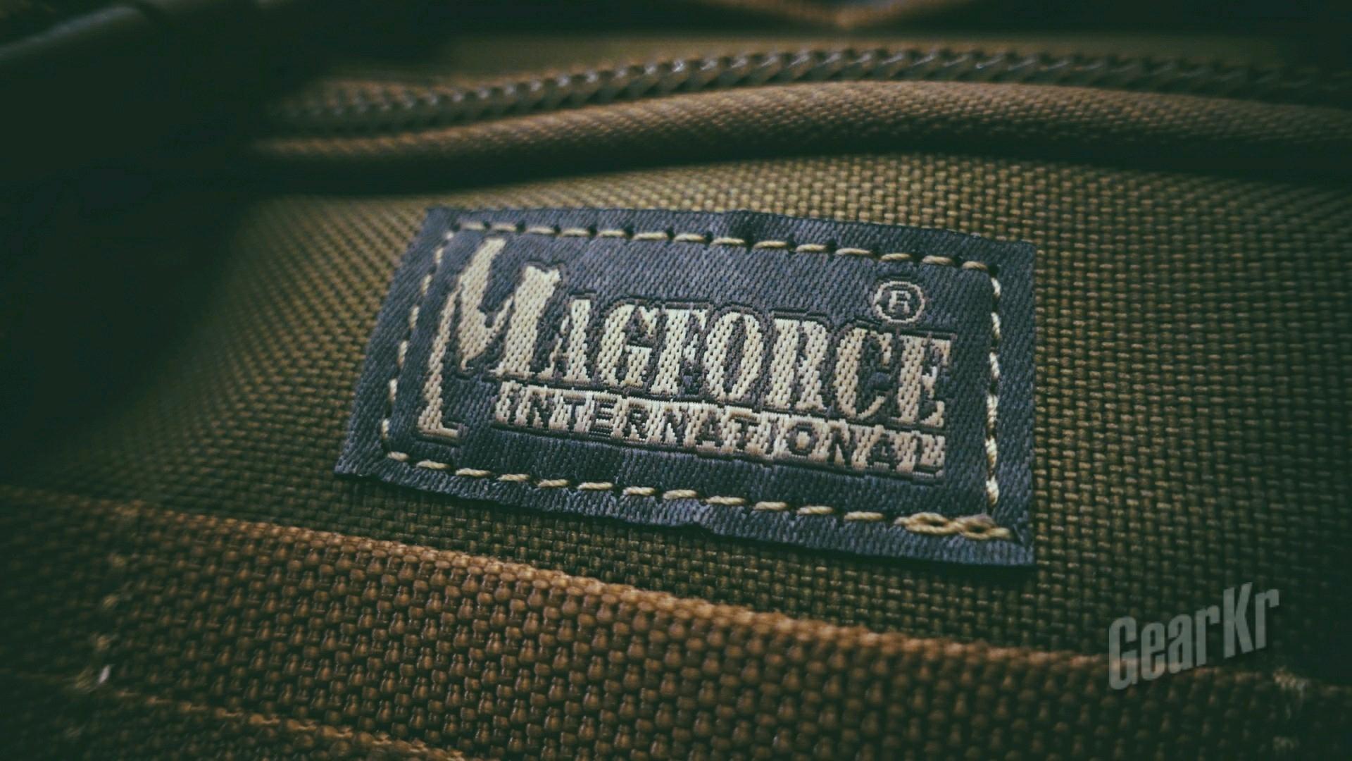 百变小魔方:magforce0402战术多功能休闲腰包体验测评