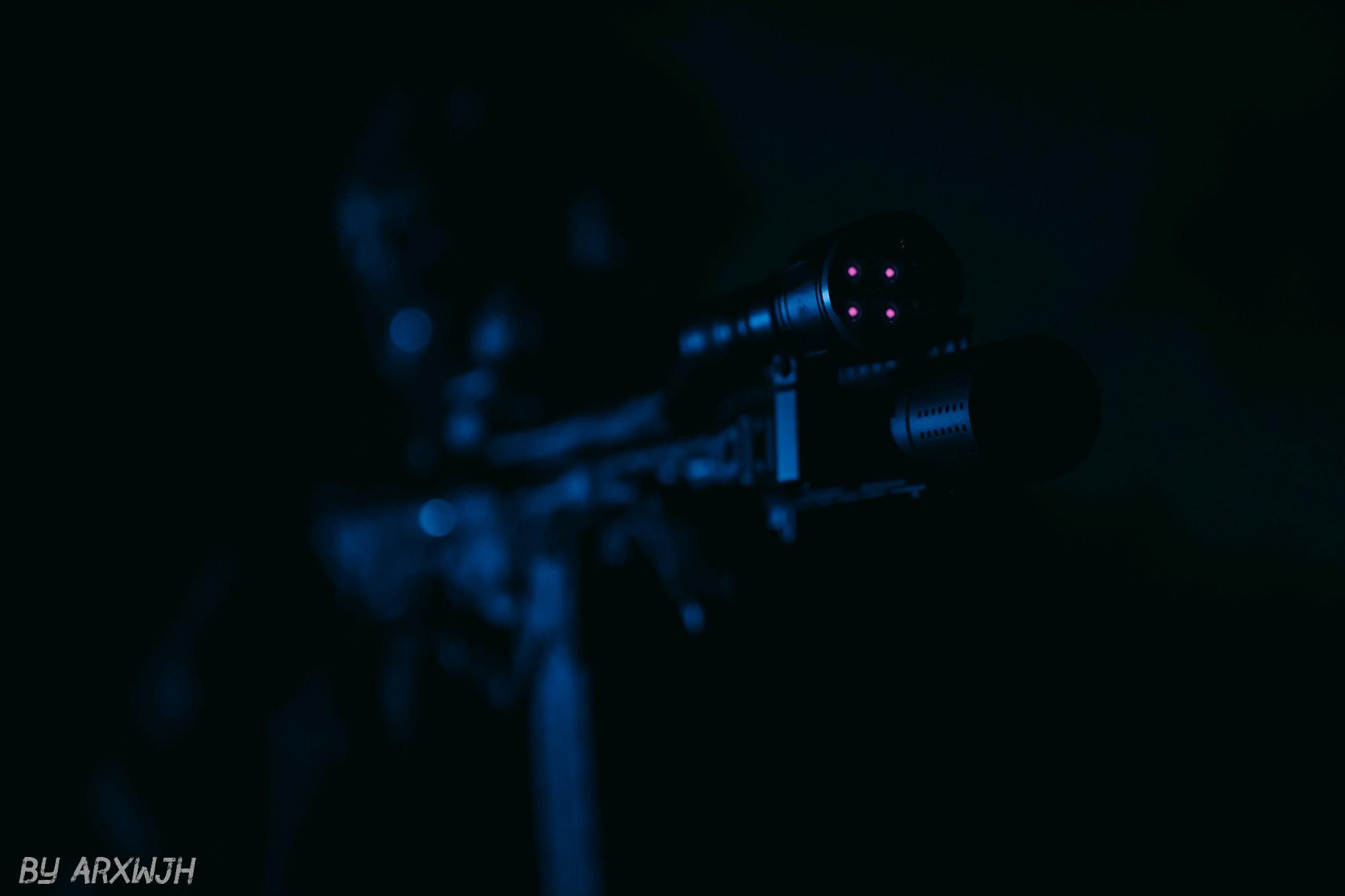 别人的黑夜,自己的白昼 —— NITECORE-CI7-变色龙-双光源手电